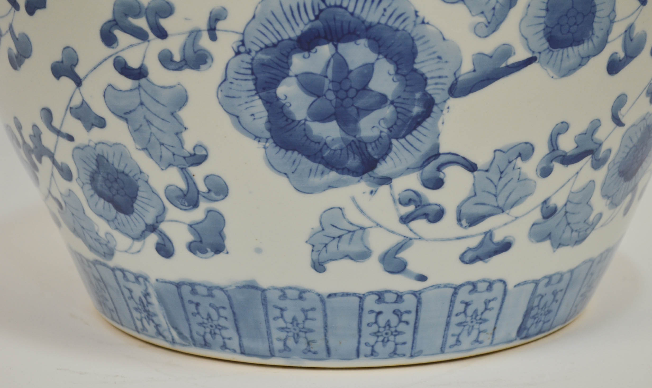 Large Vintage Hand Painted Chinese Blue Amp White Planter
